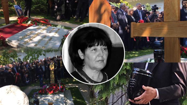 PINK.RS NA LICU MESTA - SAHRANA MIRE MARKOVIĆ: Brojni političari ispred porodične kuće Slobodana Miloševića u Požarevcu, a OVAJ DETALJ je svima zapao za oko! (FOTO+VIDEO)