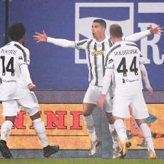 PIRLOV PRVENAC: Juventus osvojio Superkup Italije, Ronaldo najbolji strelac u istoriji fudbala (VIDEO)