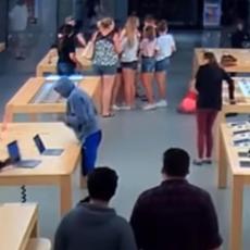 PLJAČKA KAO NA FILMU: Za 30 sekundi pokupili laptopove vredne 27.000 dolara i nestali (VIDEO)