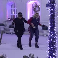 PO TANKOM LEDU! Miljana i Marija prošetale po snegu, pa ćerka PRIZNALA majci da je donela BITNU ODLUKU!