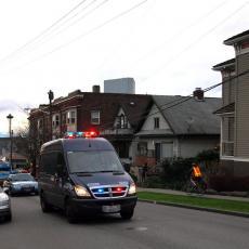 POBIO TAZBINU ZBOG PRASIĆA! Policajac izrešetao i suprugu, pa mirno sačekao kolege