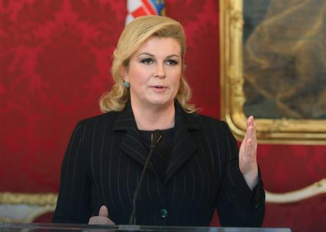 POBRKALA LONČIĆE Grabar-Kitarović: U Hrvatskoj fašizma nema, ali u Srbiji sanjaju granicu kod Karlobaga