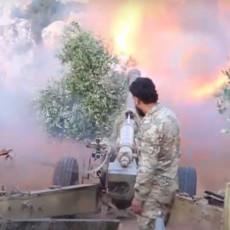 POBUNJENICI NE PRESTAJU SA UDARIMA U IBLIBU: Dara pred pucanjem, sirijske snage spremile odgovor (VIDEO)