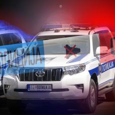 POGINUO TINEJDŽER: Teška saobraćajna nesreća kod Uroševca! Udarili u stub zbog velike brzine