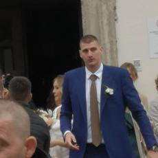 POGLEDAJTE PRVE FOTKE SA VENČANJA: Oženio se Nikola Jokić!