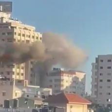 POGOĐENA JOŠ JEDNA VIŠESPRATNICA U GAZI: Izraelske snage sada gađaju i stanove, i to ciljano! (VIDEO)