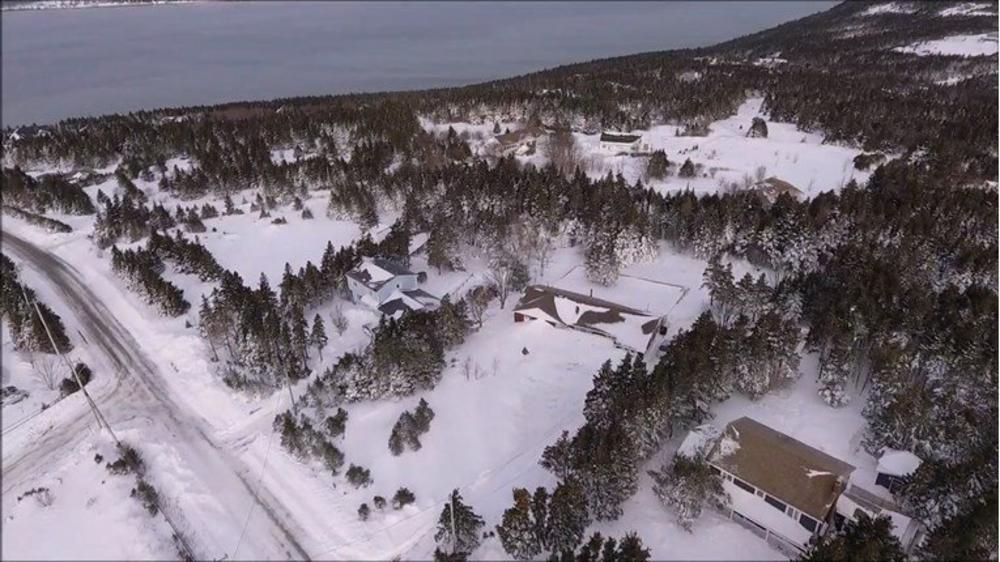 POKOPAO IH SNEG: Kanađani navikli na oštre zime, ali ne i na ovo! Kopaju tunele da izađu iz kuća! (VIDEO)