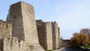 POKS: Smederevska tvrđava propada, a ima novca za Notr Dam