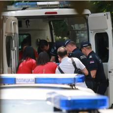 POLICAJAC STRADAO NA NOVOM BEOGRADU: Pozlilo mu tokom vožnje, udario u drvo i poginuo