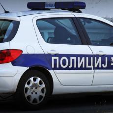 POLICIJA TRAGA ZA DEČAKOM (15)! Maloletnik palio krpe i ubacivao u zgrade u Kotežu