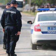 POLICIJA TRAGA ZA NAPADAČEM: Svađali se ispred pošte, a onda je jedan potegao SEKIRU!