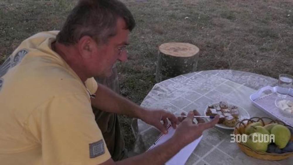 POLJOPRIVREDNIK, A NOVINAR! Sloba bez olovke i papira ne ide na njivu, za njega znaju svi iz 90 sela Kuršumlije (KURIR TELEVIZIJA)