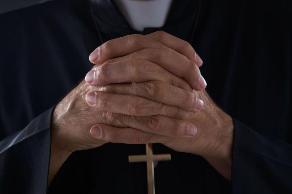 POLJSKA U ŠOKU: Mučna istraga otkrila da je svaki treći pedofil sveštenik Katoličke crkve