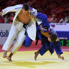 POLOMLJENI ZUBI I VILICA NISU PREPREKA: Majdov osvojio bronzu u Kazanju