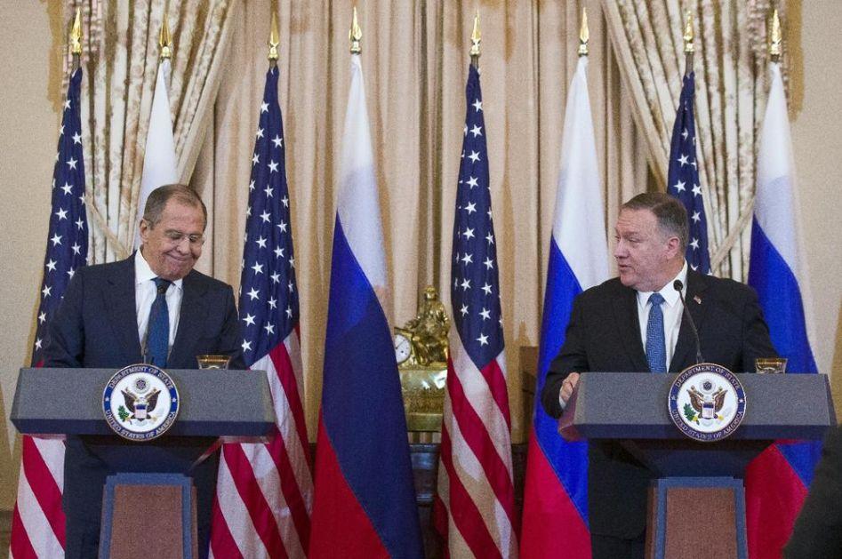 POMPEO ZAPRETIO LAVROVU DA SE RUSIJA NE MEŠA U IZBORE: A onda mu šef ruske diplomatije ova odbrusio