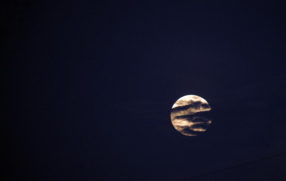 POMRAČENJE Meseca u utorak: Evo ko će moći da ga vidi
