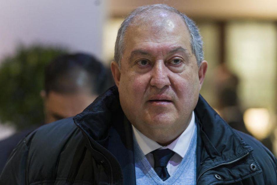 PONOVO ODBIO DA POTPIŠE Jermenski predsednik odlučio da ne razreši dužnosti načelnika Generalštaba