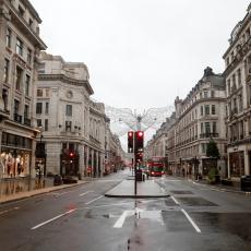 POPLAVE I U LONDONU: Potopljeno 8 metro stanica, zatvoreni glavni putevi, ljudima voda ušla i u podrume
