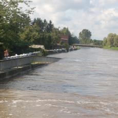 POPLAVE U REPUBLICI SRPSKOJ: Obilne padavine napravile haos, zatvoren deo puteva