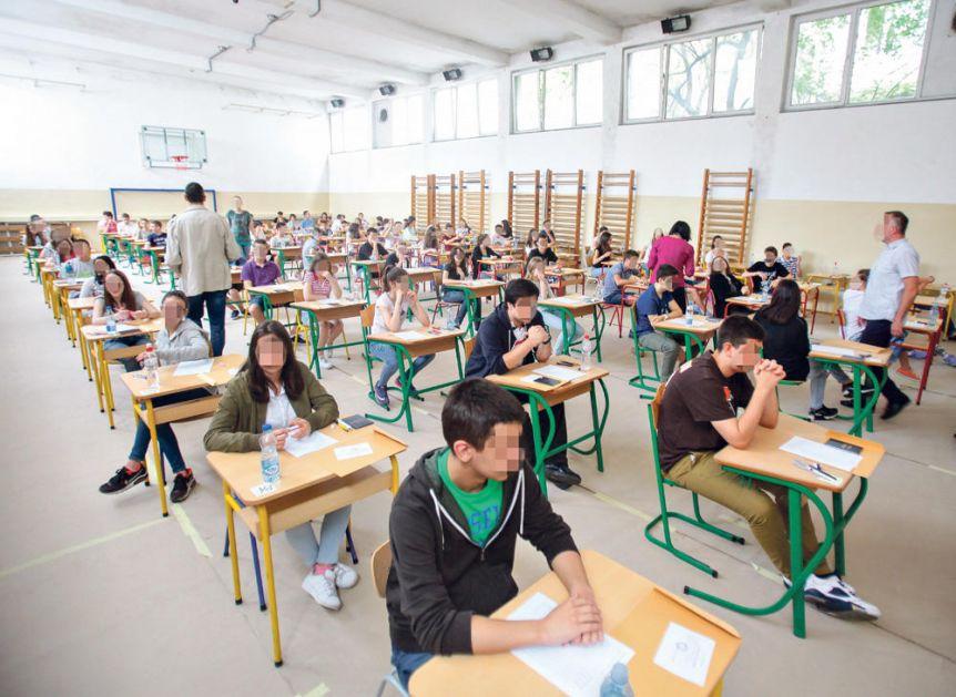 PORAŽAVAJUĆE: Svaki treći đak funkcionalno NEPISMEN! Srpski učenici PALI NA PISA TESTU