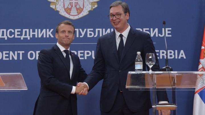 PORUKE MAKRONA I VUČIĆA OHRABRUJU I OBAVEZUJU OBE DRŽAVE - Srbiju da bude posvećenija reformama, a Francusku da zadrži pozitivan stav prema zemljama spremnim da pomognu EU da se osnaži
