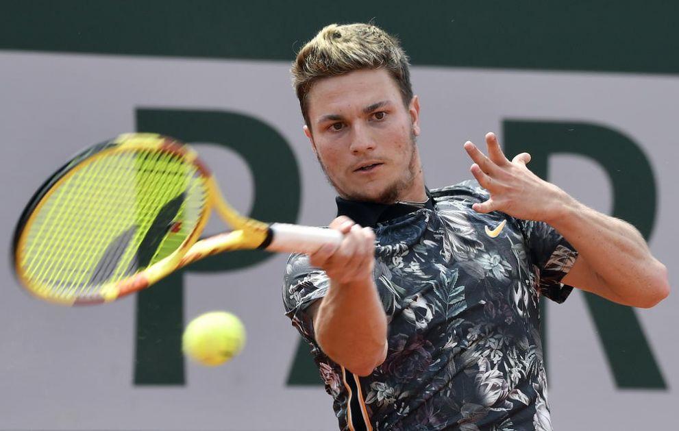 POSLE VELIKE BORBE IPAK PORAZ SRBINA: Miomir Kecmanović eliminisan sa turnira u Moskvi!