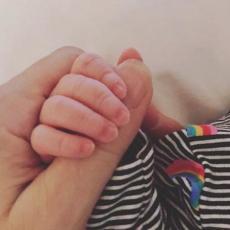 POSTALA MAJKA U 44. GODINI! Pevačica dobila sina veštačkom oplodnjom - toliko sam želela dete! (FOTO)