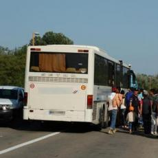 POTEZ PUTNIKA ZAPALIO DRUŠTVENE MREŽE: Ne zna se da li je širio koronu u autobusu, ali smrad jeste (FOTO)