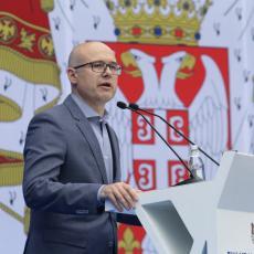 POTPREDSEDNIK SNS VUČEVIĆ: Pojedini funkcineri stranke se zaneli, misle da je Vučić tu zahvaljujući njima, a ne obrnuto