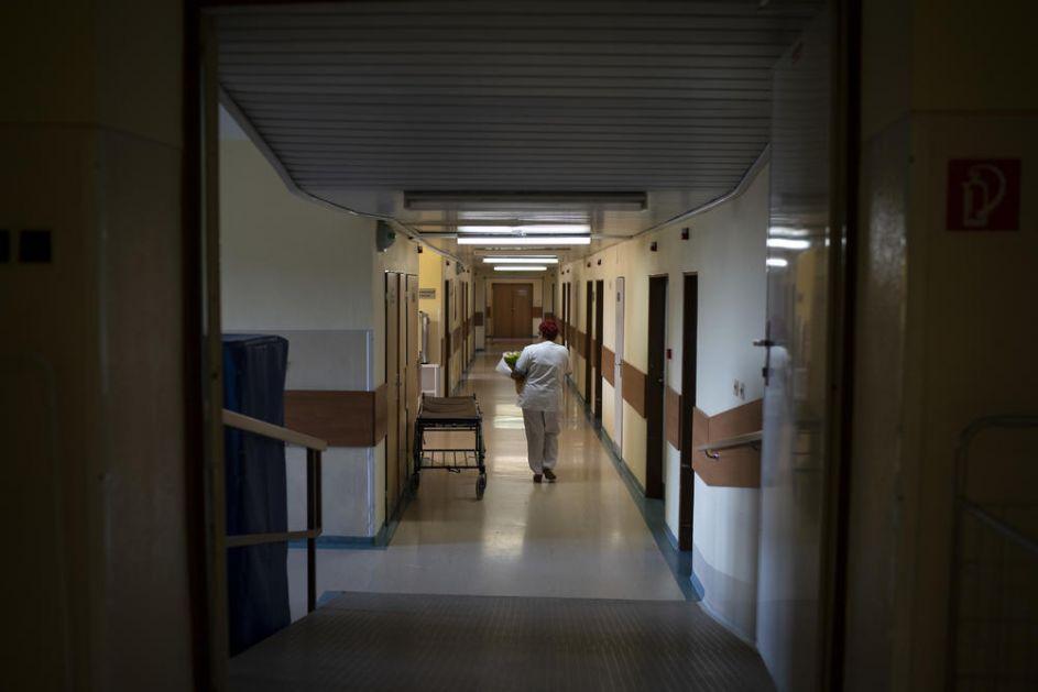 POVEĆANJE PLATA U NOVEMBRU NEĆE SVIMA BITI ISTO: Medicinske sestre startuju od 45.684, nastavnici od 46.564, a policajci od 51.275 dinara