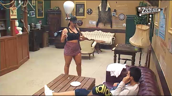 POVUKLA RUČNU! Miljana priznala Zoli da je VOLJNA DA MU VRATI GARDEROBU, a onda mu je priznala da je jedan deo odeće uništila! (VIDEO)