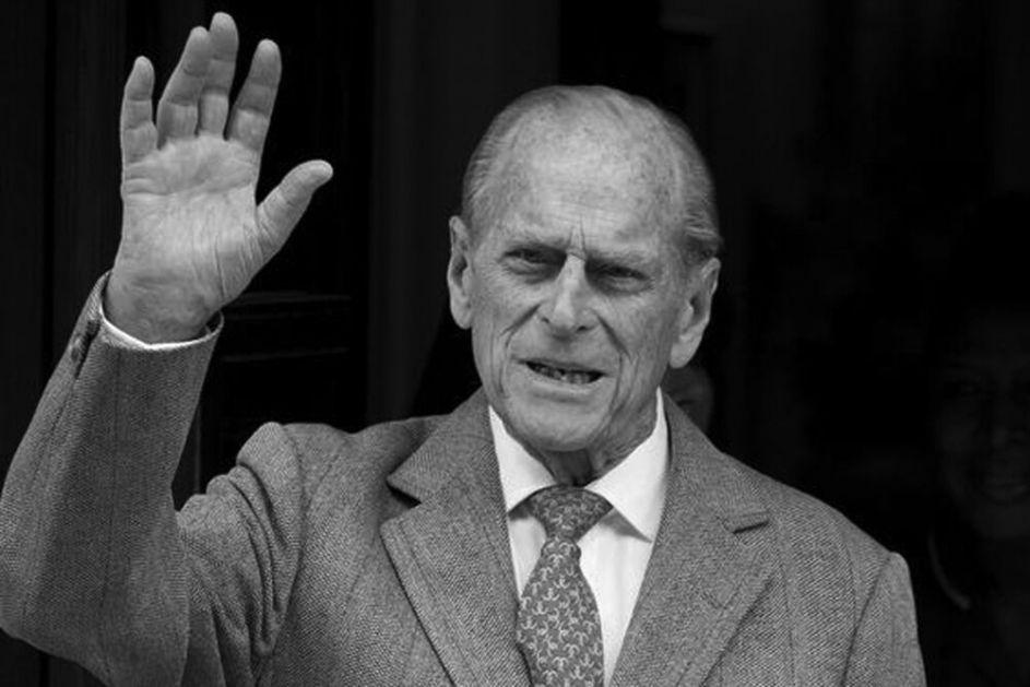 SAHRANJEN PRINC FILIP: Kraljica i Čarls u suzama, Vilijam i Hari zajedno napustili ceremoniju