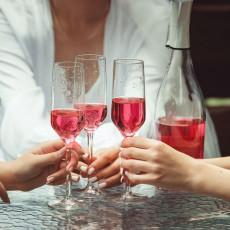 PREKIDAJU MAMURLUK: Namirnice koje su najefektnije kada popiješ ČAŠICU više, a ove POGORŠAVAJU situaciju