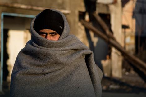 PREPLAŠENI I GLADNI Izbeglice iz Sirije i Avganistana spavaju pod OTVORENIM NEBOM brojnih gradova u BiH