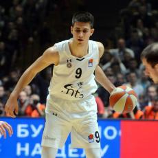 PRESEKAO: Marinković DONEO odluku u kom klubu će IGRATI sledeće sezone (FOTO)