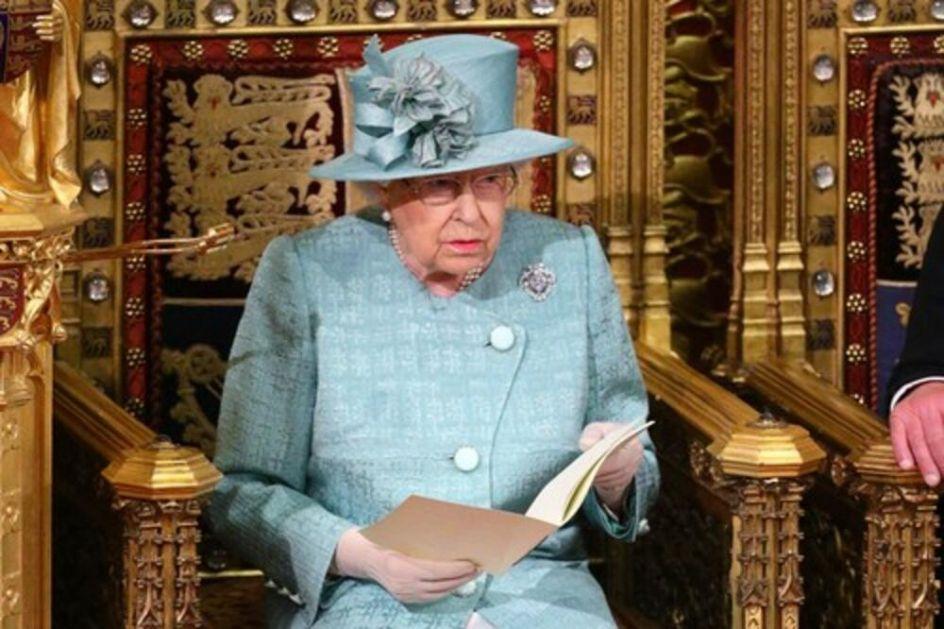 PRESTO NEĆE BITI UPRAŽNJEN: Evo ko će zameniti princa Filipa i sedeti na tronu pored kraljice, odluka doneta pre 20. godina