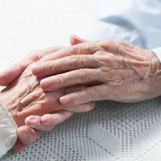 PRIČA KOJA TERA SUZE NA OČI: Bračni par preminuo od korone - u septembru proslavili 52. godišnjicu (FOTO)
