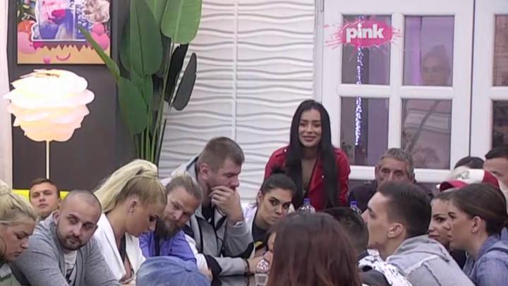 PRIJAO MI JE SINOĆ: Nataša otkrila šta oseća prema Gagiju, Miljana ustala i PROZVALA Radanovu da voli starije muškarce! (VIDEO)