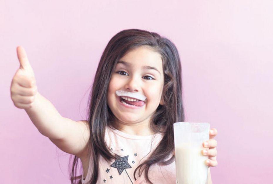 PRIRODNI PROBIOTIK DOBAR I ZA CREVA: Jogurt čuva zubiće
