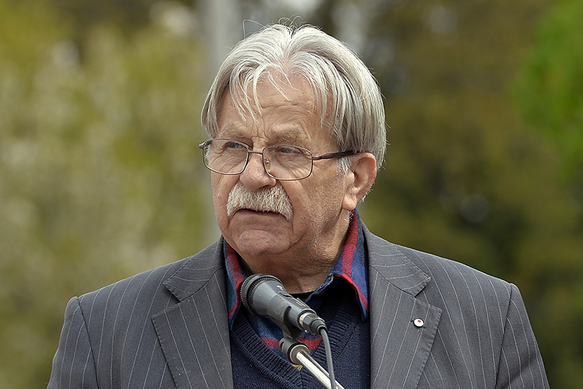 PRIZNANJE ZA OMILJENOG DEČJEG PISCA: Ljubivoje Ršumović dobio nagradu za životno delo