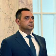 PRIZNATI LAŽNU DRŽAVU KOSOVO, A DRŽATI LEKCIJE SRBIJI... Ministar Vulin reagovao na rezoluciju o Srebrenici