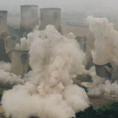 PRIZOR ZASTRAŠUJUĆI, A TEK ZVUK: Pogledajte momenat rušenja tornjeva elektrane u Engleskoj (VIDEO)