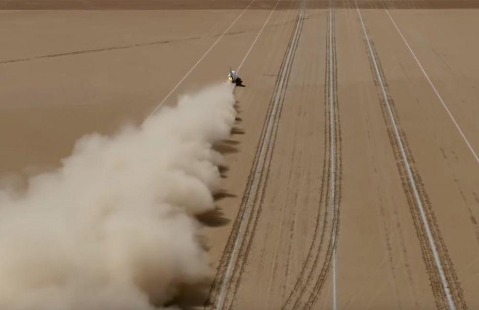 PROBIO ZVUČNI ZID: Pogledajte kako je supersonični automobil jurio 806 km na sat, ali ni tu nije kraj (VIDEO)