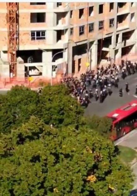 PROCURIO SNIMAK SUKOBA UOČI DERBIJA: Grobari išli s policijom, a onda je nastao HAOS! VIDEO