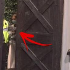 PRODUKCIJA OTVORILA KAPIJU - VRISAK! Veliki šef šokirao NJIH DVE! Odmah pojurile ka vratima (VIDEO)