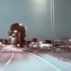 PROMAŠIO ZEMLJU! Veliki meteor MUNJEVITO PROLETEO, a da je udario... Pogledajte snimke iz Osla, nebo se upalilo (VIDEO)