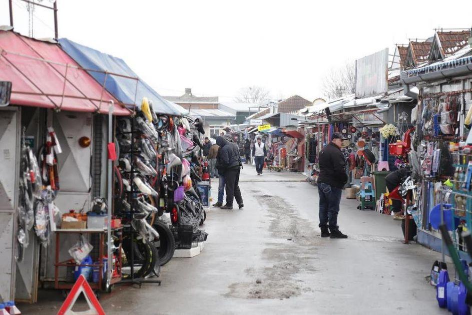 PRORADIO BAČKI ISTANBUL: Kupci se vraćaju na subotički BUVLJAK, Mađari opsedaju tezge sa tekstilom!