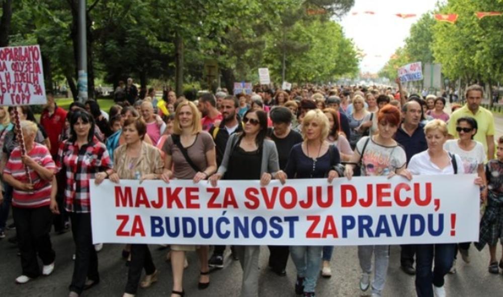 PROTEST CRNOGORSKIH MAJKI: Traže sastanak sa Đukanovićem