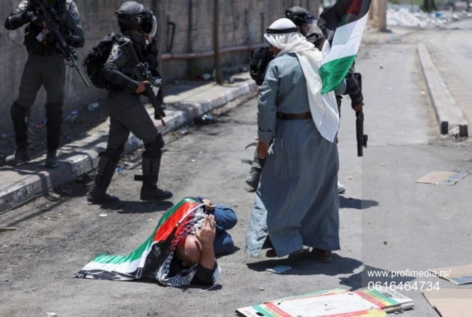 PROTEST PALESTINACA NAKON MOLITVE Nakratko se sukobili sa izraelskom policijom