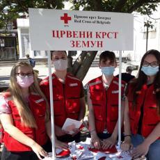 PRUŽANJE POMOĆI SVIM GRAĐANIMA: U Zemunu obeležen Nacionalni dan dobrovoljnog davanja krvi (FOTO)